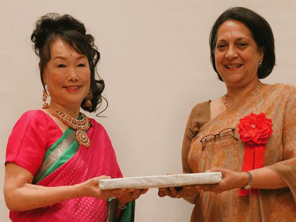 インド大使ワドワ様よりお祝い