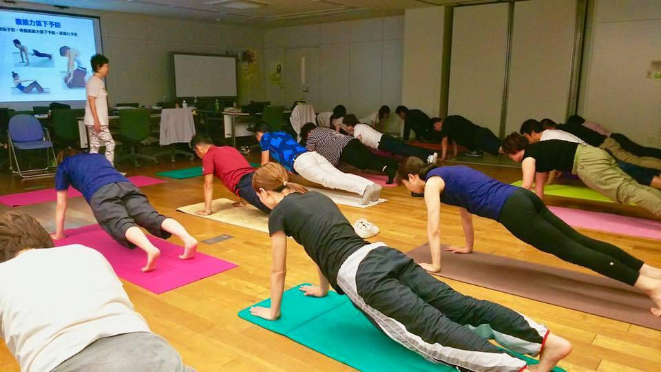 「中高年のための筋力トレーニングとコンディショニング」講演とヨガ指導
